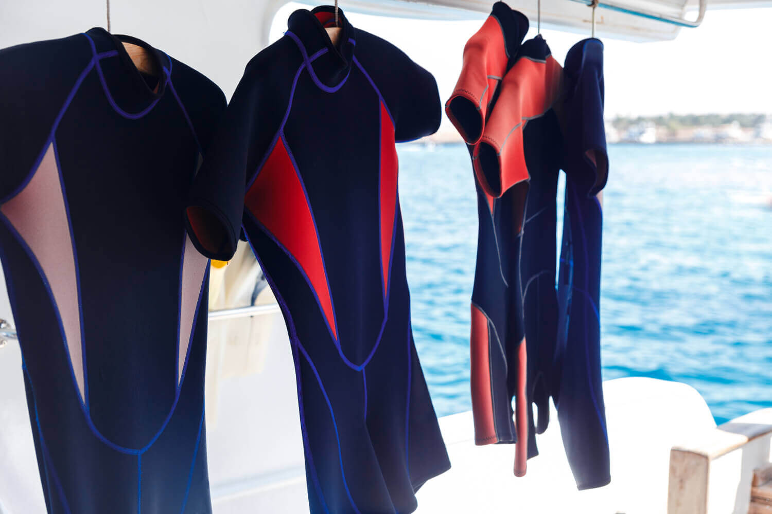 WHAT IS SCUBA FABRIC? 22